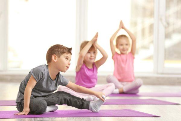 Taller de yoga para niños en situación de vulnerabilidad social