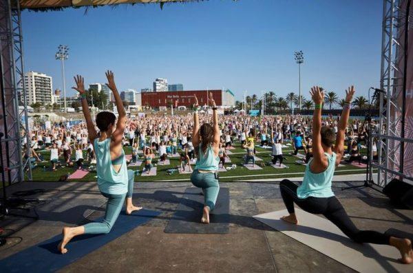 Wanderlust, el gigante del yoga, ofrecerá sus videos en español