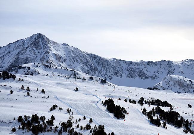 La temporada de esquí afronta su coletazo final pendiente de las temperaturas