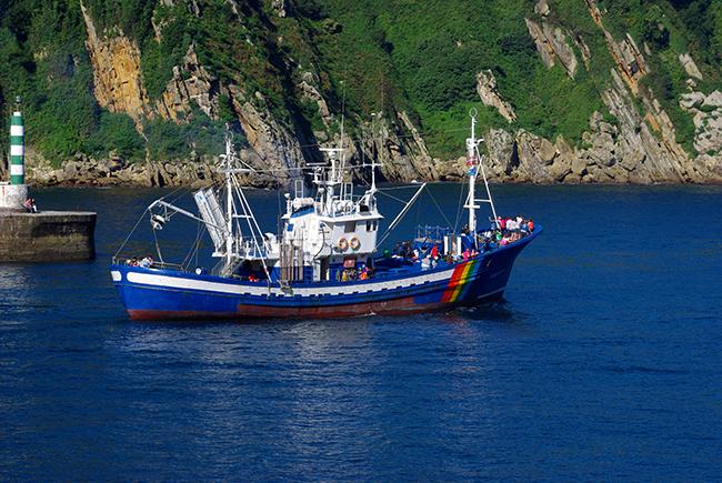 Ternua presenta un proyecto para limpiar el litoral de Ulia-Jaizkibel de plásticos