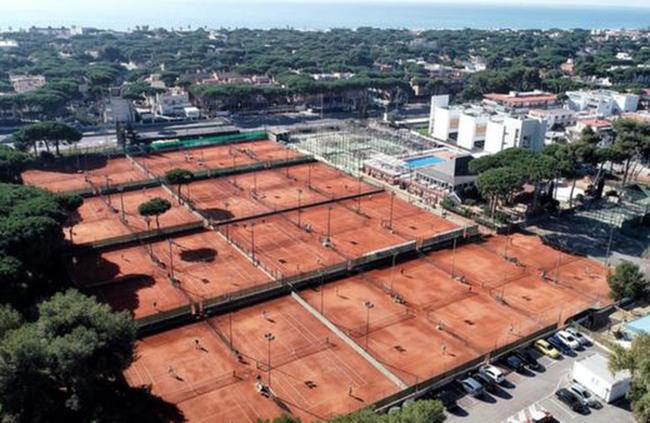 El Club Tenis Andrés Gimeno apuesta por la diversificación ante la caída del tenis