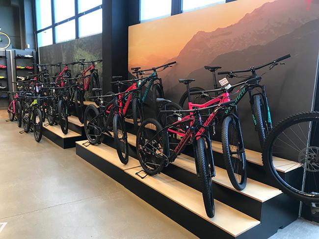 Maestre Bikes Planta Cara A La Atonía Del Mercado Remodelando Su Tienda De Santander Cmd Sport