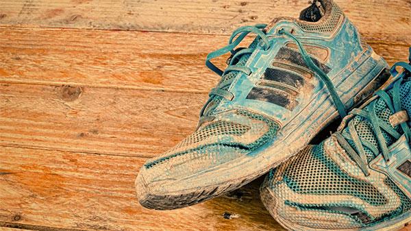 Cómo lavar las zapatillas de running