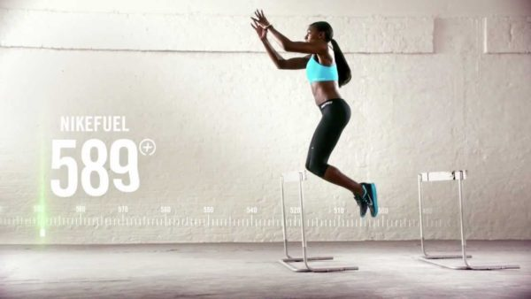 Entrenamiento con saltos laterales y escalada de cuerda