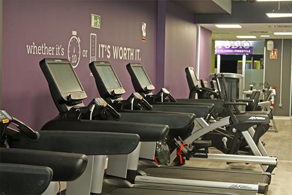 Anytime Fitness equipa su primer gimnasio en Zaragoza con la última tecnología de Life Fitness