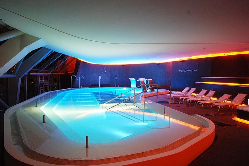 Fluidra factura 23,2 millones en piscina comercial en el primer trimestre