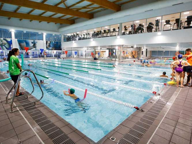 ¿Cómo dinamizan los gimnasios la piscina entre sus clientes?