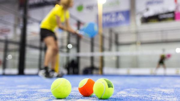 Los federados de pádel ya casi pisan los talones a los de tenis