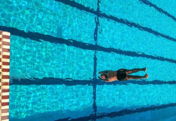 Porqué es importante no dejar de hacer deporte en verano