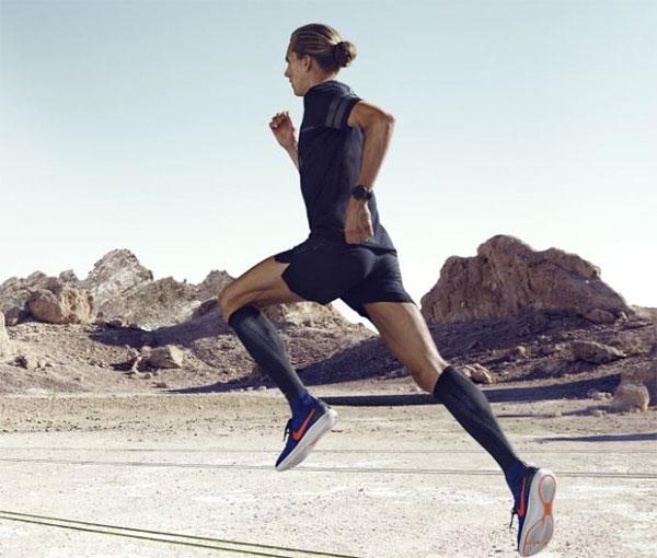 Correr de negro: ¿una tendencia de moda o un escudo protector?