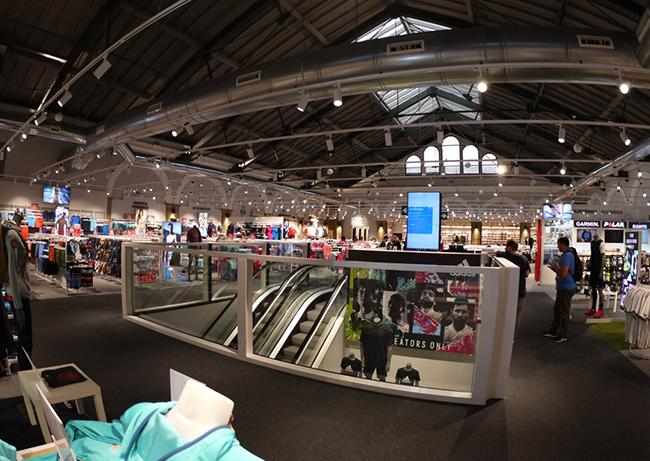 Forum Sport invierte más de medio millón de euros en reformar su tienda de San Sebastián