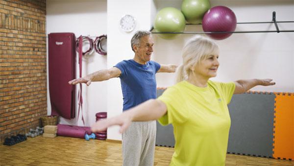 Trabajadores de +55, ¿un reclamo para atraer a la población mayor al gimnasio?
