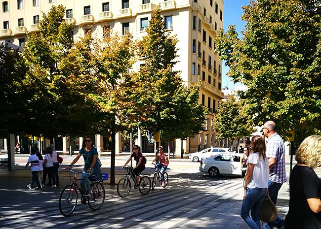 Los ciclistas de Zaragoza temen una era de recortes