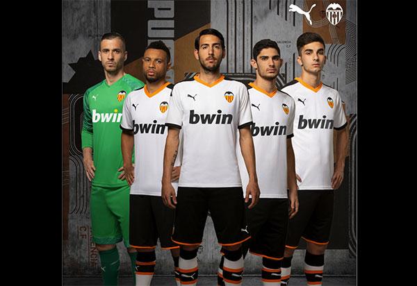 Puma desvela la nueva equipación del Valencia CF