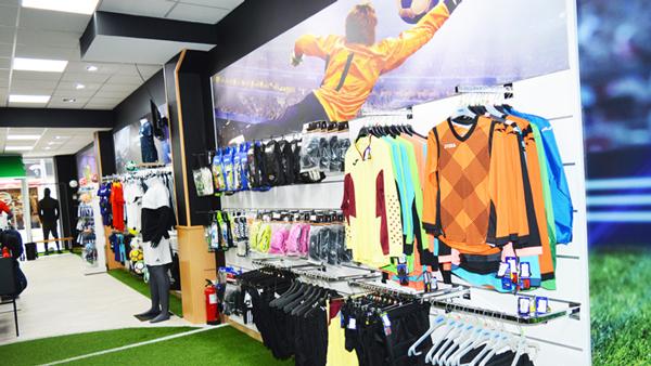 Soccerfactory reestructura su red de tiendas de fútbol offline