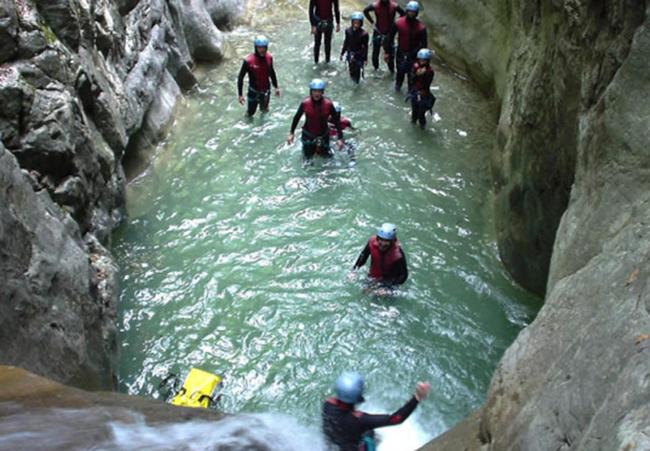 Las empresas de turismo activo alertan de masificación y sobreoferta