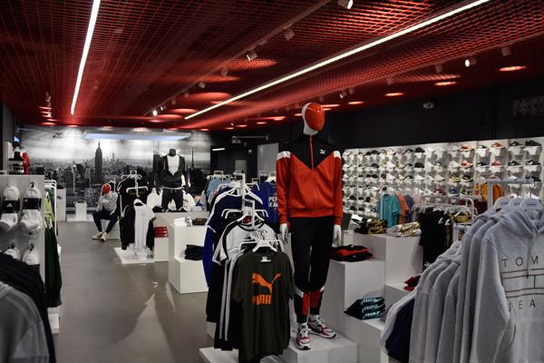 Wanna Sneakers se hace fuerte en Canarias con la tienda de mayor calibre de la enseña
