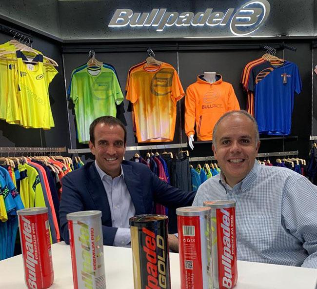 Bullpadel firma un acuerdo de patrocinio con la Federación Internacional de Pádel