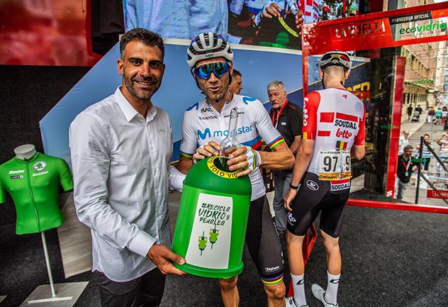 El 'Pelotón Verde' recoge 500 kilos de residuos en La Vuelta