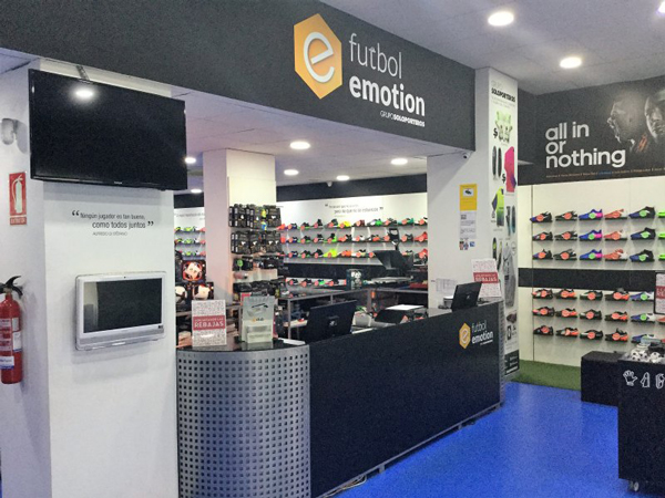 Futbol Emotion ultima su segunda tienda en Sevilla