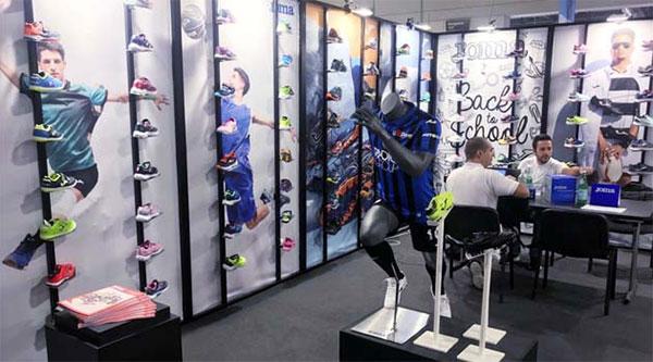 Joma debuta en el área deportiva y de sneakers de Micam