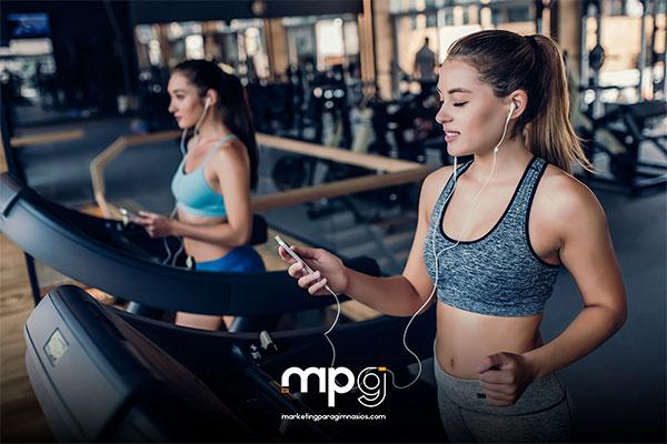 Formación online gratuita de marketing digital para captar nuevos socios en gimnasios