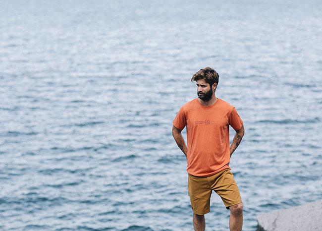 Ternua diseña camisetas sostenibles por un mar sin plásticos