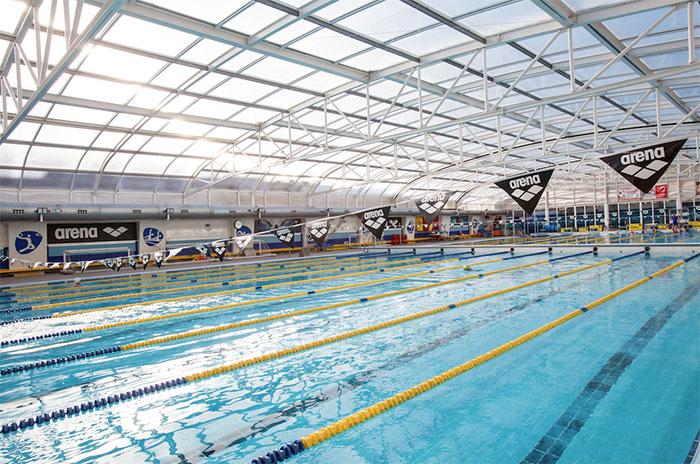 Arena firma como patrocinador técnico del Real Canoe Natación Club