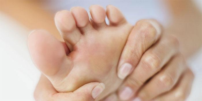 Fractura por estrés en el pie: Síntomas, tratamiento y prevención