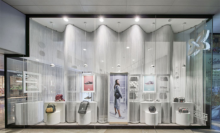 Munich rediseña su tienda de Illa Diagonal en Barcelona