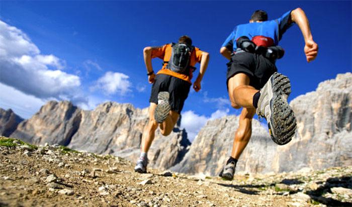 Cómo organizar el peso en la mochila de trail running