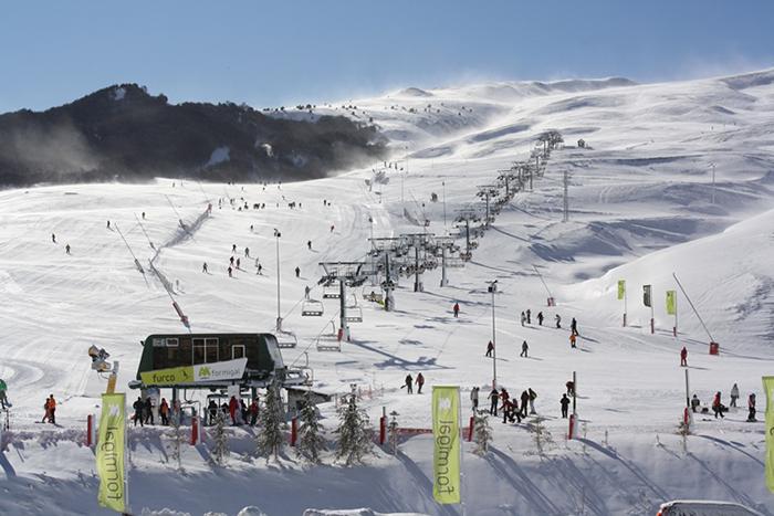 Atudem se reúne con la industria de la nieve para impulsar los deportes blancos