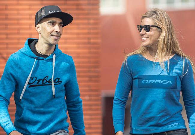 Orbea lanza una nueva gama de ropa casual