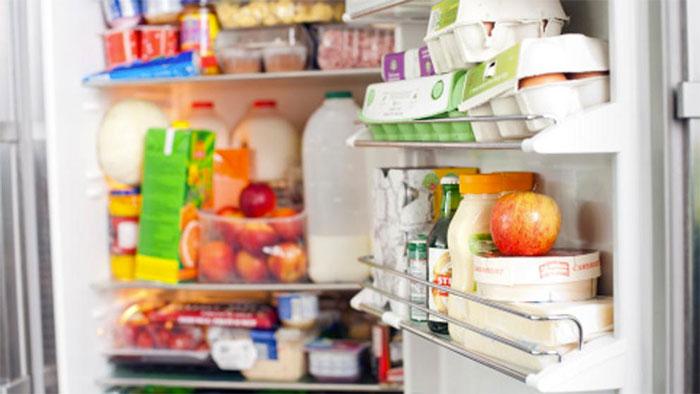 La importancia de colocar los alimentos en la nevera