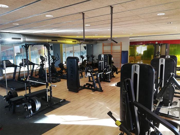 Oss Fitness renueva la sala de fitness de Aqua Mora d'Ebre