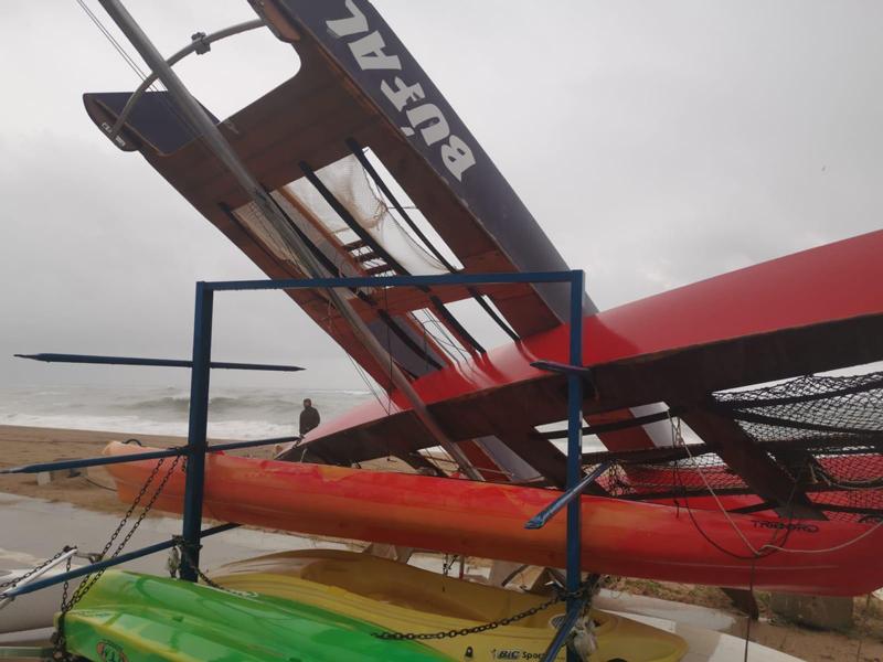 El temporal de Levante se ceba en las flotas de Calella y Pineda de Mar