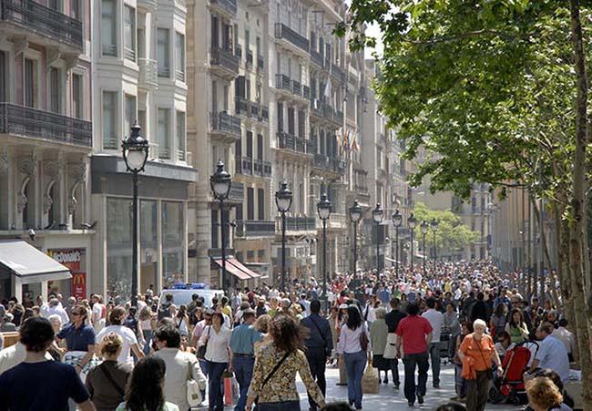 El tráfico peatonal de Madrid y Barcelona se mantiene estable
