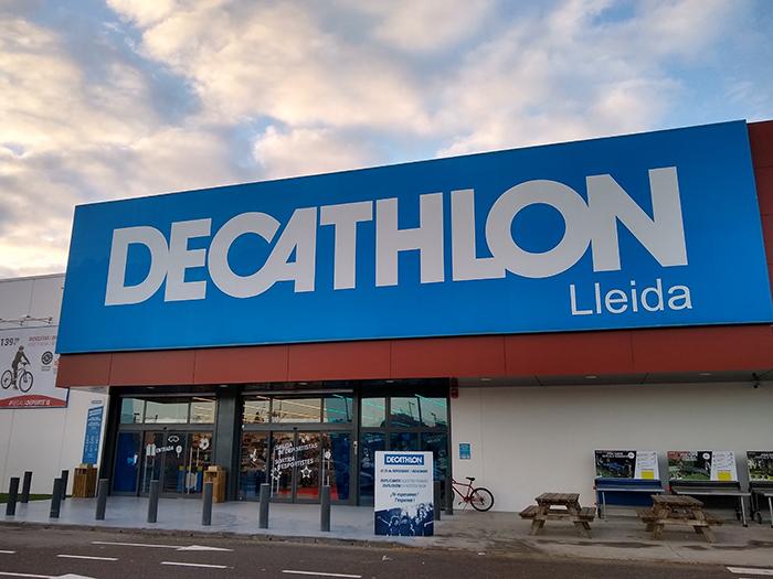 Decathlon gana superficie en Lleida y en el barrio de Gràcia