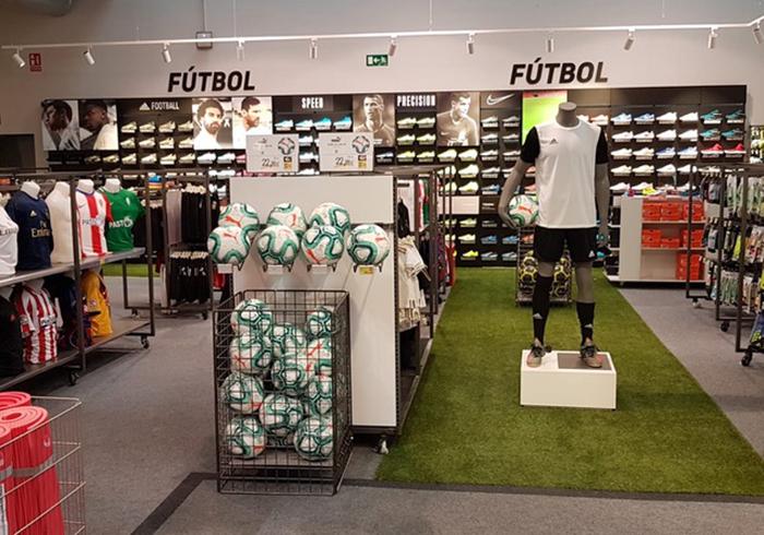 Forum Sport reabre en Gijón tras una reforma integral de la tienda