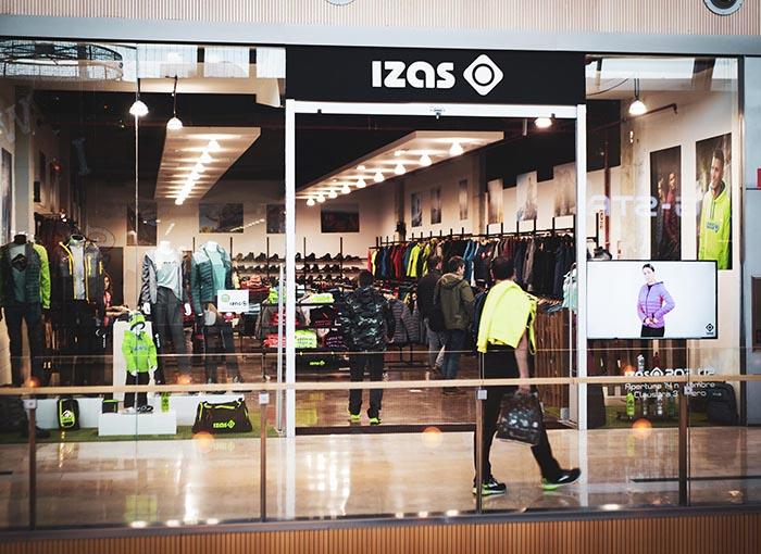 Izas Outdoor compensa su salida de Amazon Vendor con la expansión en América