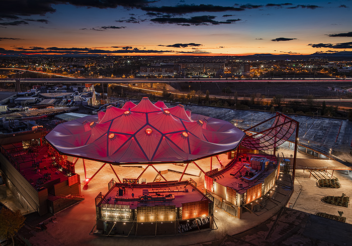 Abre X-Madrid, un centro comercial con rocódromo, gimnasio, skate, freestyle y buceo