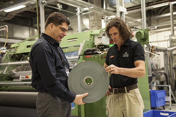 Gore Fabrics, reconocida por la calidad y gestión medioambiental de su planta alemana