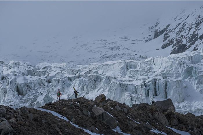 Jérémie Heitz plasma en una película su recorrido por las montañas más peligrosas del mundo