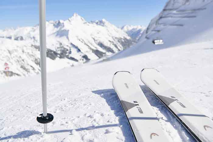 Head sigue apostando por el esquí femenino con su gama Joy