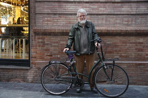 El ciclismo urbano de Sevilla denuncia la desidia municipal