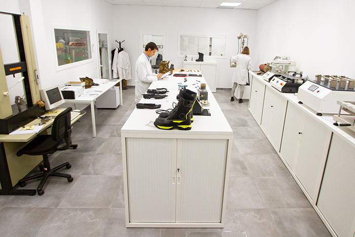 Chiruca amplía y moderniza su laboratorio de calzado