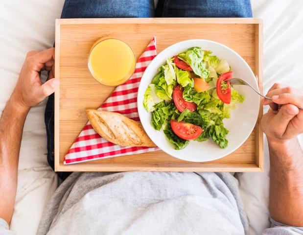 Por qué no hay que hacer dieta en enero