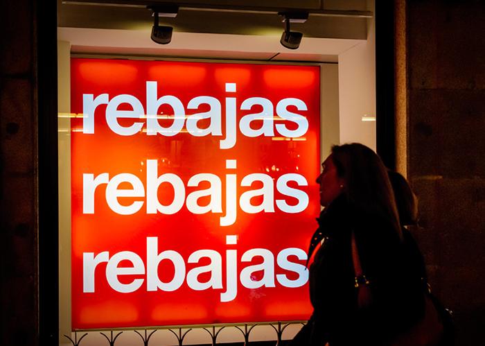 Los españoles gastarán una media de 96 euros en las rebajas de invierno