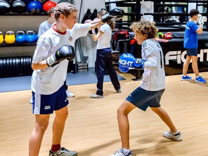 Beneficios y consejos para practicar boxeo junior sin contacto