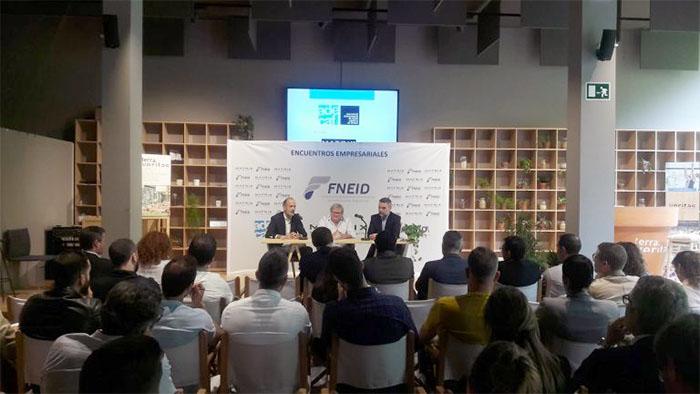 La ley catalana del deporte, tema central del encuentro empresarial de Fneid y Adecaf en Barcelona